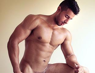 Thauã - HotBoys - O Novinho Musculoso